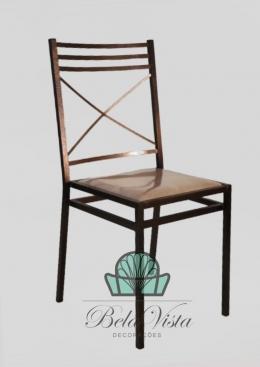 Cadeira de Ferro Empilhável Três Detalhes Dourado Envelhecido